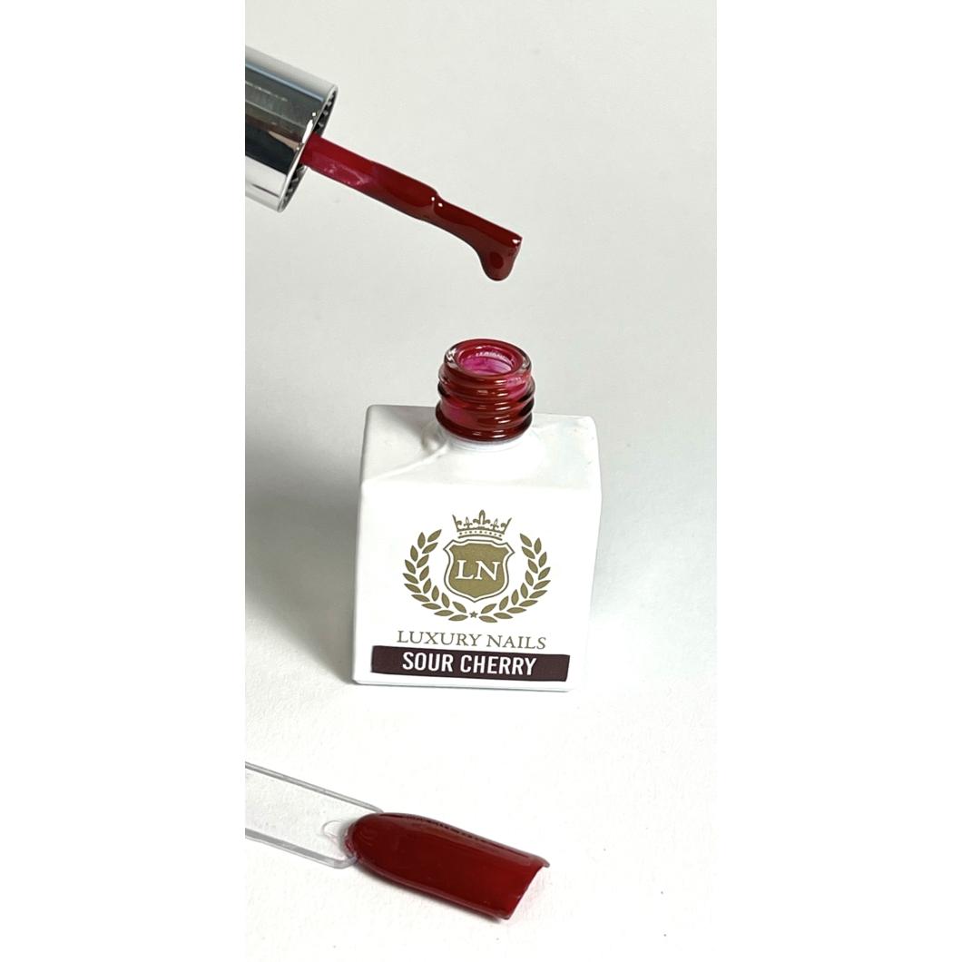Luxury Gél Lakk 40 - Sour Cherry 8ml