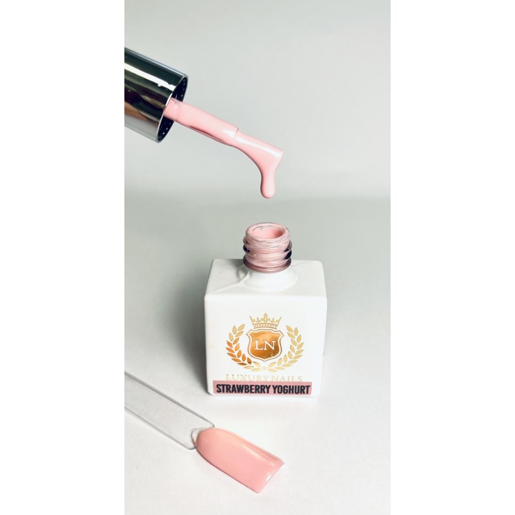 Luxury Gél Lakk 27 - Strawberry Joghurt 8ml